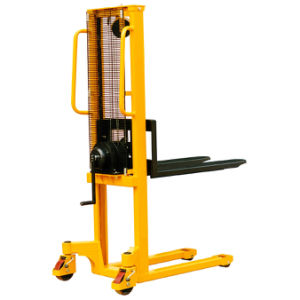 Hand Winch Forklift Type Stacker with Lifting Height 1560mm pictures & photos