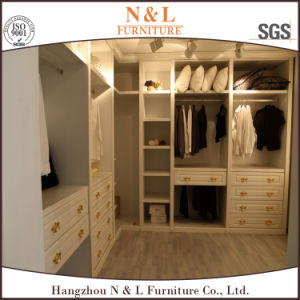 European Style Oak Wood Bedroom Furniture Wardrobes pictures & photos