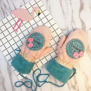 Warm Cute Girl′s Winter Gloves pictures & photos