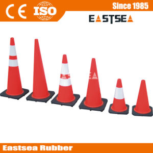 Black Base 450mm Reflective PVC Traffic Construction Cones pictures & photos