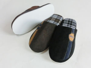 Indoor Winter Nice Warm Slipper with Corduroy pictures & photos