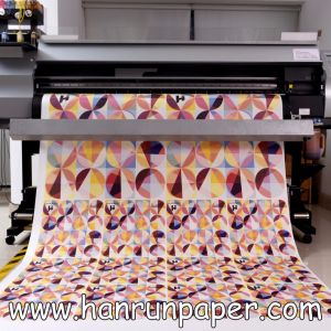 Fast Dry/Quick Dry 45/50GSM Inkjet Heat Transfer High Speed Printing Sublimation Transfer Paper Jumbo Roll for 120′′ Textile pictures & photos