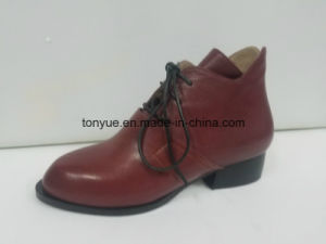 Lady Leather Tie Lace Pointed with Flat Sole Restoring Ancient Ways Ankle Boots pictures & photos