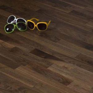 E0 Standard Engineered American Walnut Hardwood Floor pictures & photos