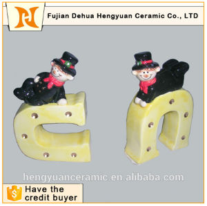 Small Ornament Craft of Chimney People Ceramic Factory pictures & photos