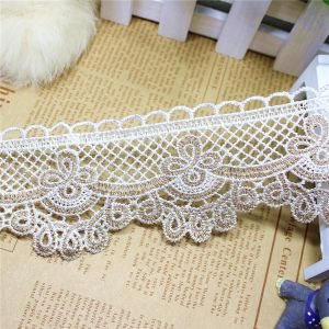 Factory Stock Wholesale 6cm Width Embroidery Bi-Color Lace Polyester Embroidery Trimming Fancy Lace for Garments Accessory & Home Textile & Curtain (BS1215) pictures & photos