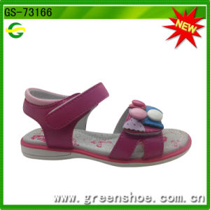 Hot Selling School Girls Sandals pictures & photos