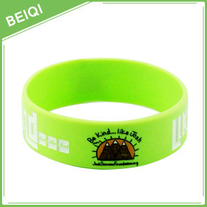 Custom Message and Logo on Silicone Wristbands No MOQ pictures & photos