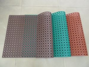 Used Rubber Door Mats/Drainage Rubber Mats/Rubber Mats pictures & photos