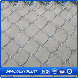 Hot Sale Chain Link Fencing in Good Price pictures & photos