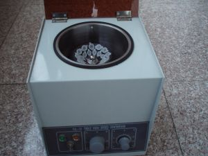 Tgl-16 Bench Top High-Speed Large-Capacity Laboratory Centrifuge (TGL-16) pictures & photos