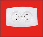 French 2 Gang Wall Socket with Earthing (YW2812) pictures & photos