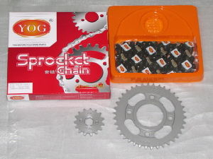 Yog Motorcycle Spare Parts Cg Sprockets Chain Kit 45 Steel Gold Color pictures & photos