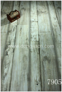 Different Widths Looking Laminate Flooring 7905 pictures & photos