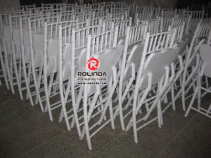 Hotel Furniture Folding Chiavari Chairs in Wooden Materials pictures & photos