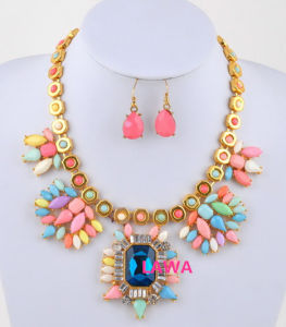 Colorful Fashion Lady Handmade Necklace Set (LSS50)