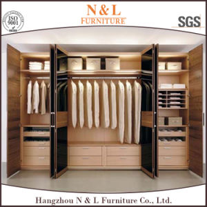N&L European Style Oak Wood Bedroom Furniture Wardrobe pictures & photos