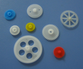 Plastic Gears/High Quality CNC Machining Plastic Gear/Injection Gear pictures & photos