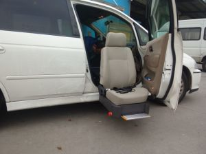 Hot Sale Swivel Car Seat &Lift Seat for Side Door of SUV pictures & photos