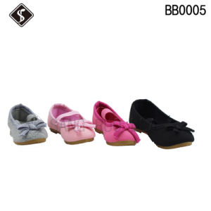 New Style Babies Walking Shoes with Butterfly Knot pictures & photos