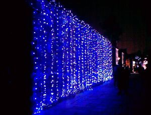 LED Waterfall Holiday String Light Christmas Decoration pictures & photos