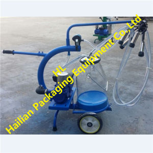 Dry Pump Single Cow Portable Milking Machine pictures & photos