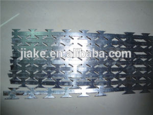 Factory Best Price Concertina Razor Barbed Wire Making Machine pictures & photos
