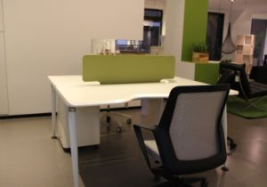 Office Workstation with Colorful Partition pictures & photos