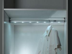 Closet Aluminum LED Clothes Hanger Rod, Rechargeable pictures & photos