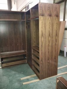 Walnut Wood Veneer Walk in Closets pictures & photos