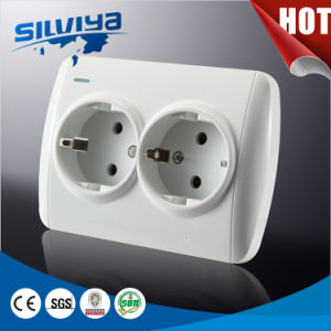 2 Gang 2 Pin Schuko Wall Socket with Grounding pictures & photos