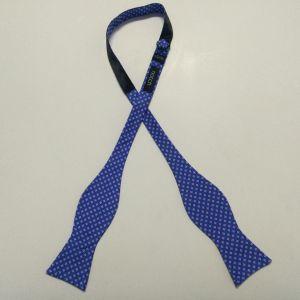 Men′s Fashionable Check Design Woven Silk Self Bow Ties pictures & photos