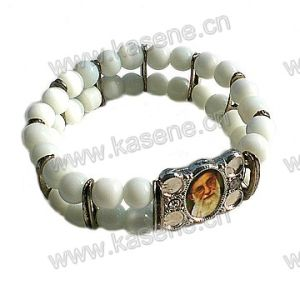 Red Glass Beads with Alloy Sheet Religious Bangle pictures & photos