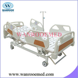 Siderails with Control Three Function Electric Medical Bed pictures & photos