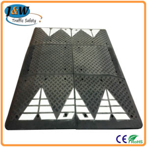 Temporary Portable Rubber Speed Cushion Made in China pictures & photos