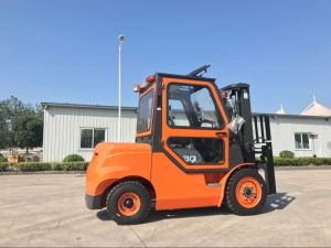 Carretilla Elevadora Contenedores 3 Ton Forklift with Cab pictures & photos