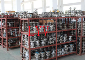 Flanged Stainless Steel L Port Ball Valve pictures & photos