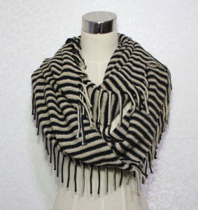 Woman Fashion Acrylic Knitted Striped Infinity Fringe Scarf (YKY4391) pictures & photos