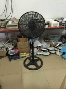18′′ Stand Fan with Plastic Grill pictures & photos