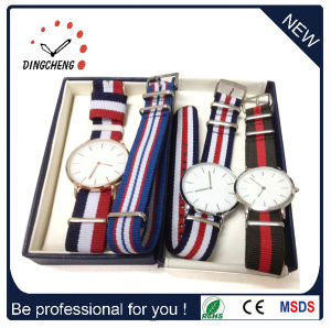 Fashion Men′s Dw-Style Nylon and Leather Band Wrist Quartz Watch pictures & photos