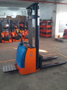 Electric Pallet Stacker pictures & photos