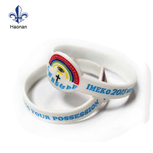 Custom Festival Fashion Debossed Silicone Wristband pictures & photos
