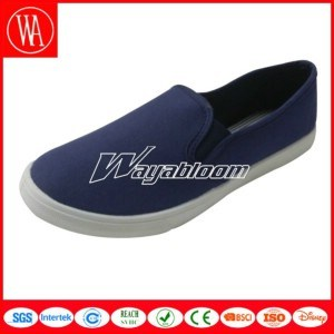 Comfort Flat Leisure Men Shoes Vamp Made by Canvas