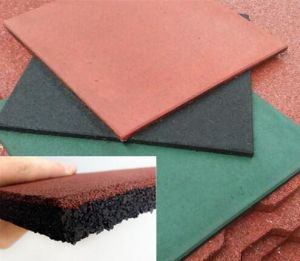 Red Outdoor Recycled Rubber Granules Tile pictures & photos