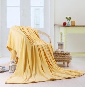 High Quality Solid Color Polar Fleece Blanket pictures & photos