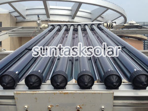 2014 Concentrated Heat Pipe Vacuum Tube Solar Collector with CPC Reflector pictures & photos