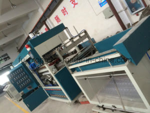 High-Speed Vacuum Forming Machine (FJL-700/1200ZK-A) pictures & photos