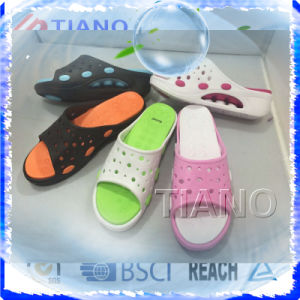 New Style High Quality Fashion Lady′s Slipper (TNK24923) pictures & photos