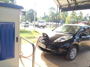 Dual Charging Guns Electric Vehicle Charger 15kw - 120kw pictures & photos