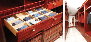 2014 Welbom Classic Luxury Customized Walik-in Closet pictures & photos
